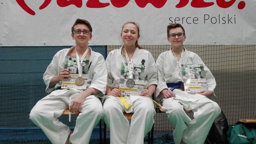 Komplet medali na Mistrzostwach Mazowsza w Karate Kyokushin