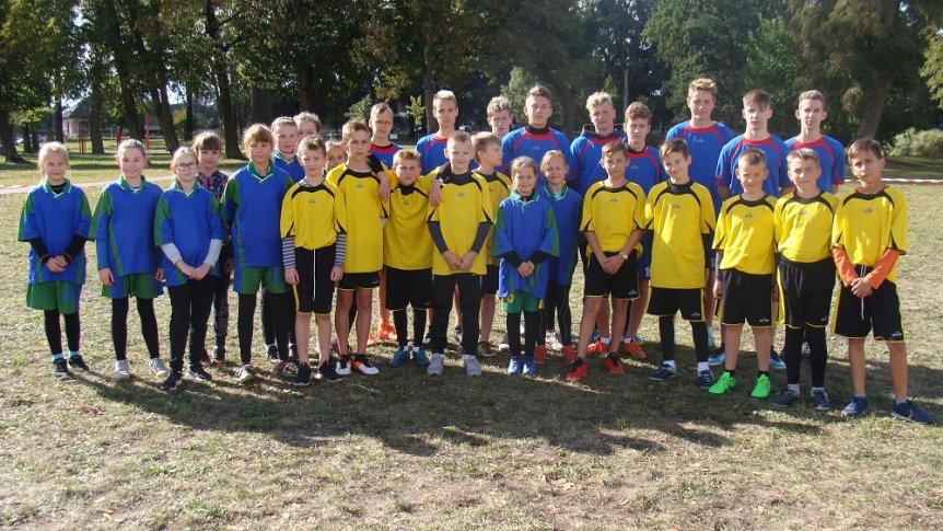 Uczniowie z ZPPO w Broku na sztafetowych biegach przełajowych w Ostrowi Mazowieckiej