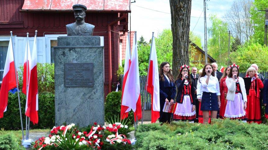 Mieszkańcy Broku uroczyście uczcili 228. rocznicę uchwalenia Konstytucji 3 Maja