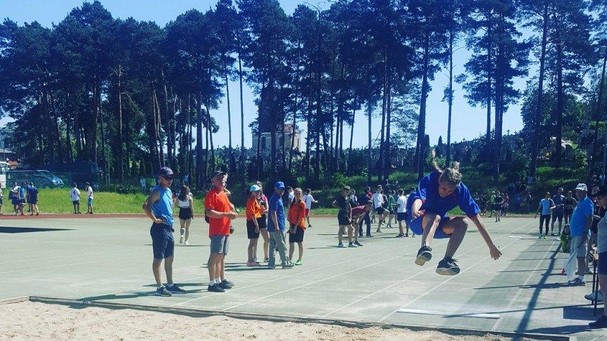 Uczniowie ZPPO w Broku na zawodach lekkoatletycznych w ramach Międzypowiatowych Igrzysk Młodzieży Szkolnej w Kadzidle