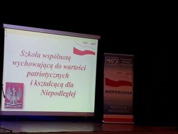 """Nauczyciele z ZPPO w Broku na konferencji """"Szkoła wspólnotą wychowującą do wartości patriotycznych i kształcącą dla Niepodległej"""""""