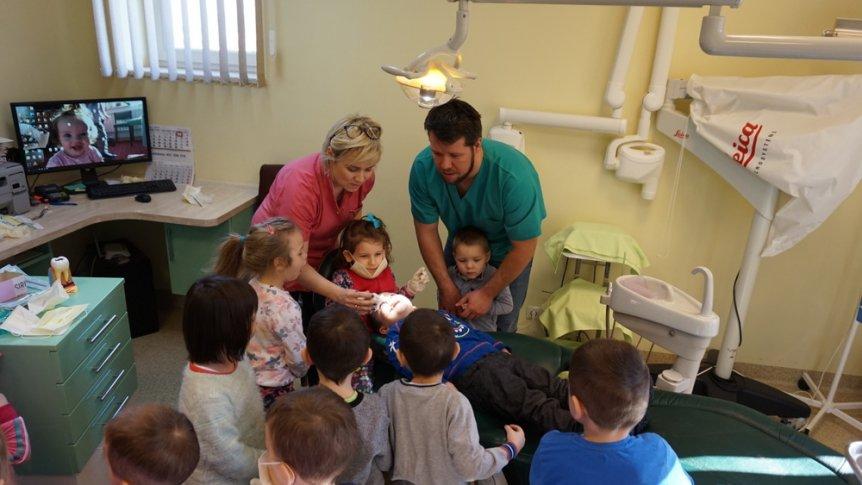 Dzień Dentysty w Przedszkolu Miejskim w Broku