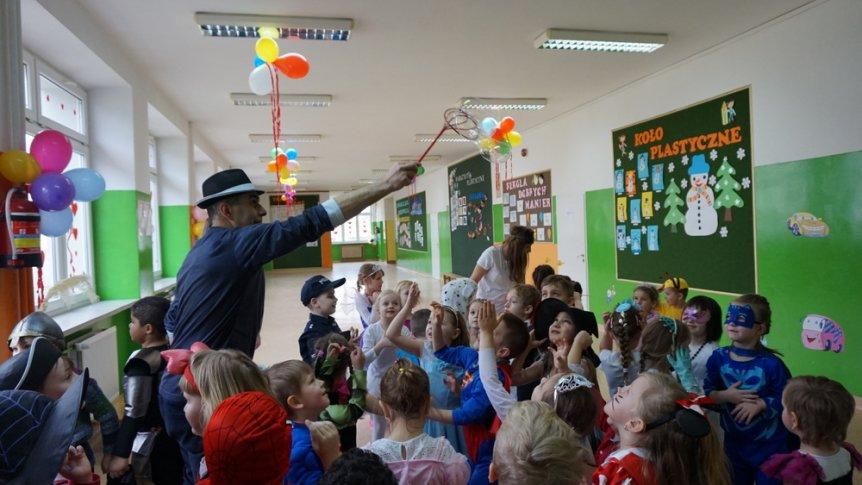 Karnawałowy bal przebierańców w ZPPO w Broku
